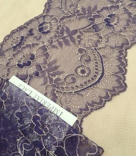 Lilac lace trim