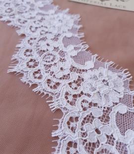 White guipure lace trim