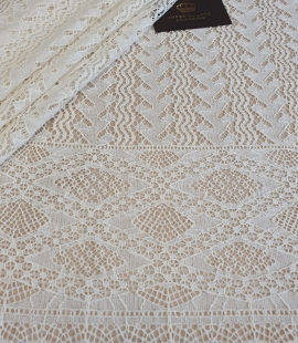 Ivory cotton 95% chantilly lace fabric