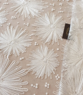 Ivory 100% polyester embroidery on tulle lace fabric