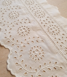 Ivory cotton lace timming