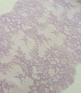 Light lilac lace trim