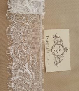 Offwhite lace trim