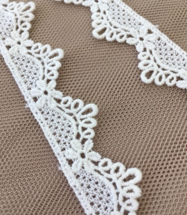 Ivory cotton lace trim
