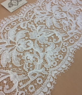 Ivory viscose lace trim