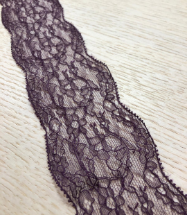 Lilac lace trimming
