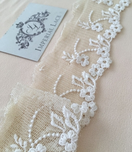 Beige lace trim