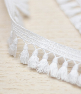 Snow white macrame lace trimming