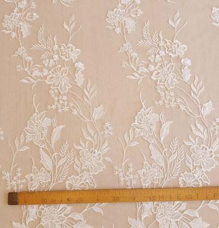 Ivory beaded lace fabric. Photo 6