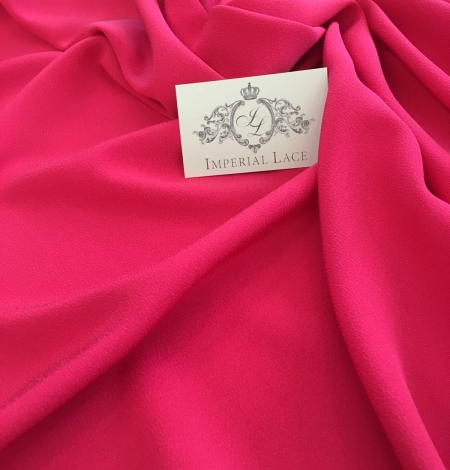Fuchsia pink silk crepe fabric . Photo 1