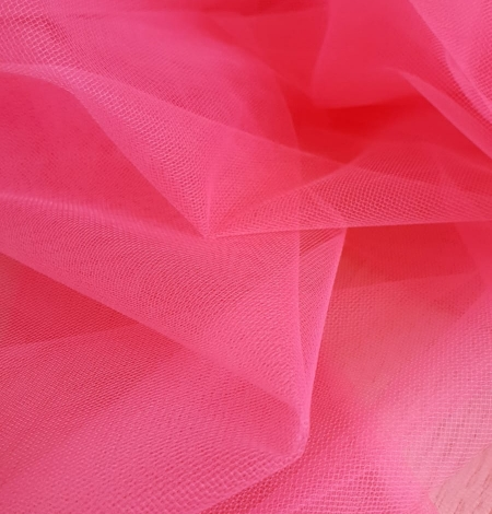 Pink tulle fabric. Photo 5