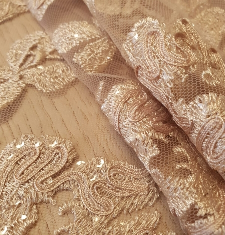 Beige 100% polyester floral pattern embroidery sequins on tulle lace fabric. Photo 2