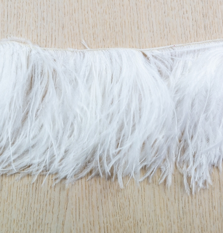 Off white soft natural ostrich feather. Photo 6