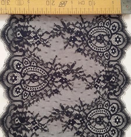 Black Lace Trim. Photo 5