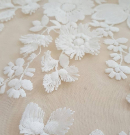 Off White embroidery lace fabric. Photo 2