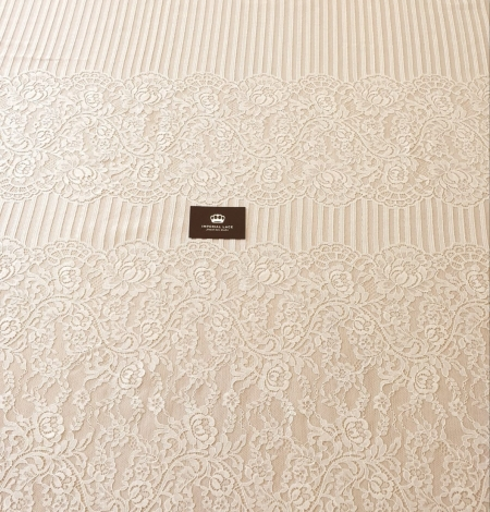 Ecru 100% polyester floral and stripes guipure lace fabric. Photo 9