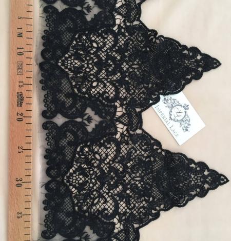 Black guipure lace trim. Photo 5