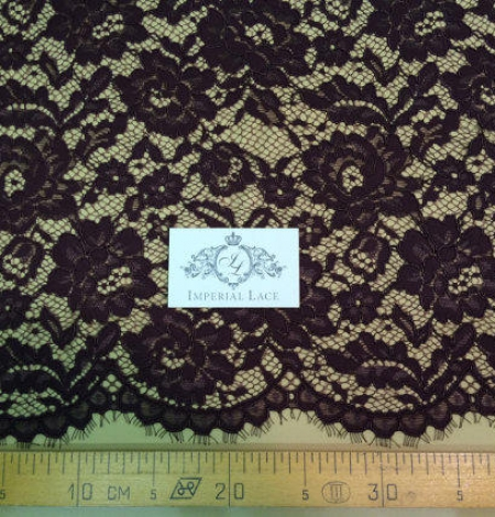 Brown lace fabric. Photo 5