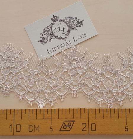 Dark Ivory Lace Trim. Photo 3