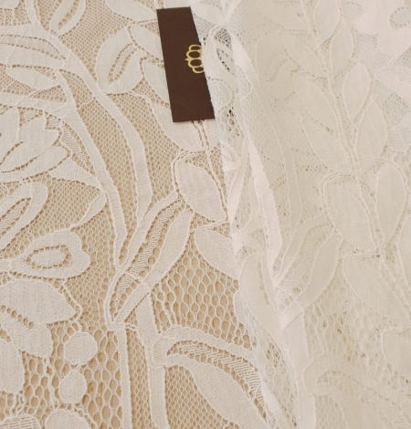 Ivory 100% polyester floral and bird pattern chantilly lace fabric. Photo 2
