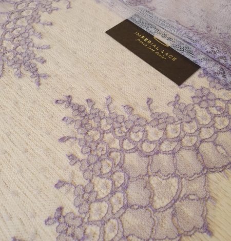 Lilac chantilly cotton lace trimming by Jean Bracq. Photo 1