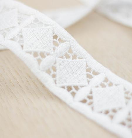 Ivory thick macrame geometric lace trimming. Photo 2