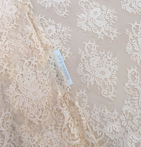 Peach Lace Fabric. Photo 2