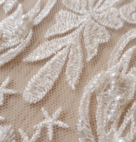 Ivory beaded lace fabric. Photo 3