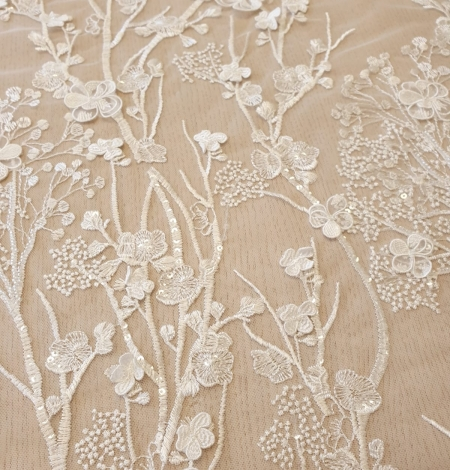 Ivory floral embroidery on tulle fabric. Photo 3