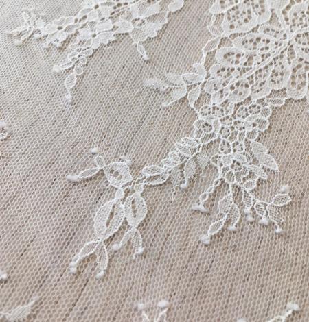 Ivory lace fabric. Photo 7
