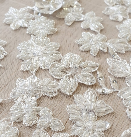 Offwhite 3D beaded lace fabric. Photo 4