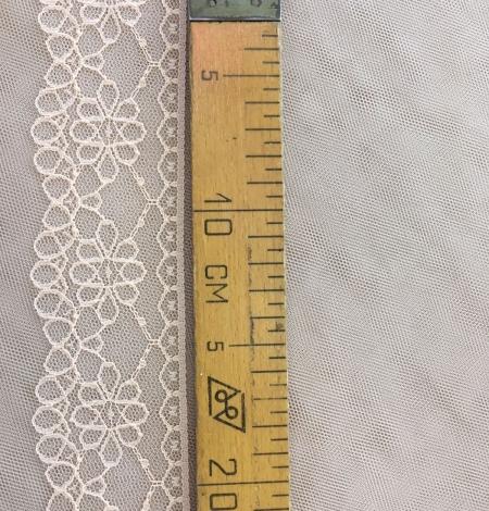 Peach lace trim. Photo 5