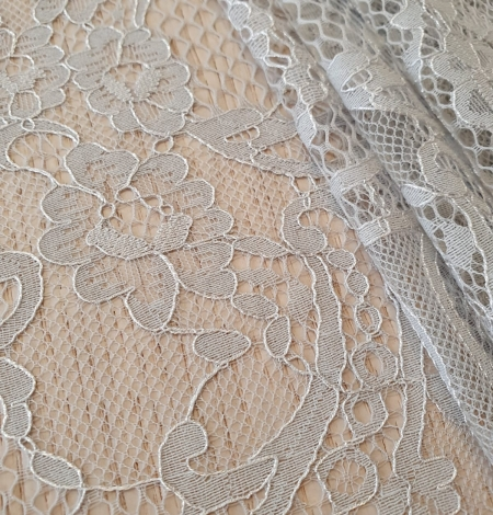 Grey floral pattern chantilly lace fabric. Photo 4
