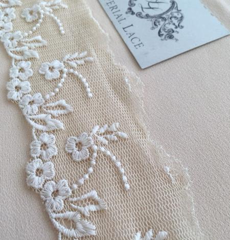 Beige vintage lace trim. Photo 2