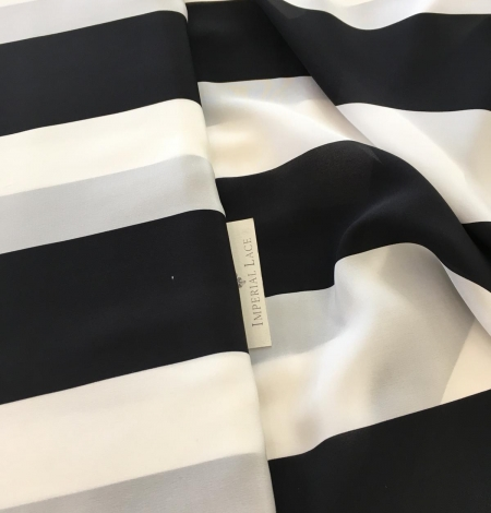 Silk Crepe fabric with white and black print. Photo 7
