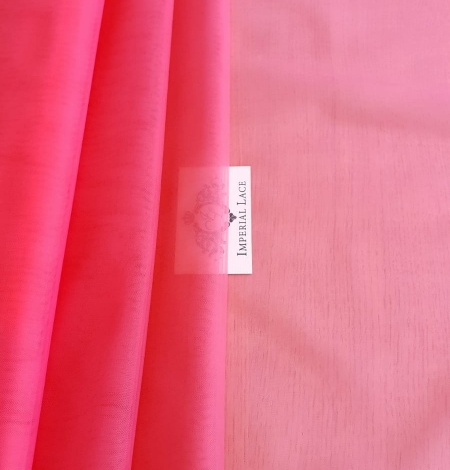 Pink tulle fabric. Photo 2
