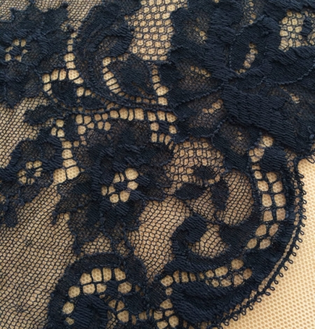 Dark blue lace trim. Photo 1