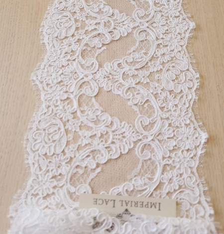 White Lace Trim French Lace. Photo 2