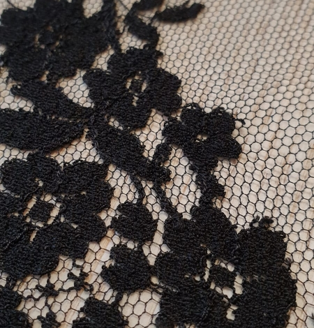 Black floral chantilly viscose lace fabric. Photo 4