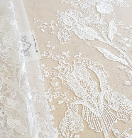 Imperial Lace floral organic embroidery on tulle fabric. Photo 2