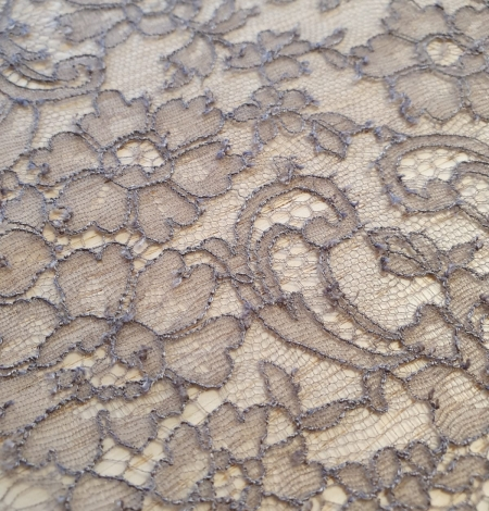 Coffee brown chantilly lace trimming. Photo 6