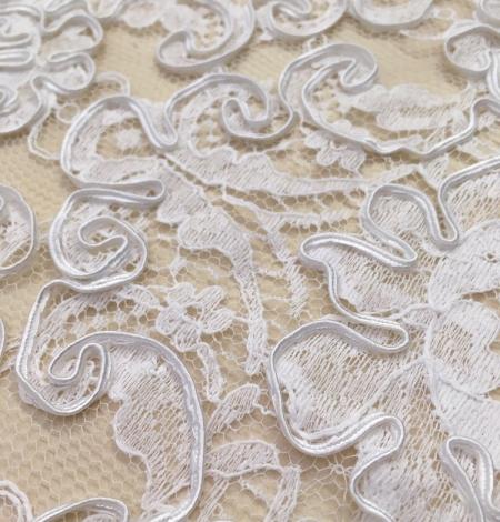 Bright white Lace Trim. Photo 2