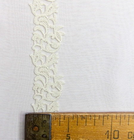 Natural color organic macrame lace trimming . Photo 3