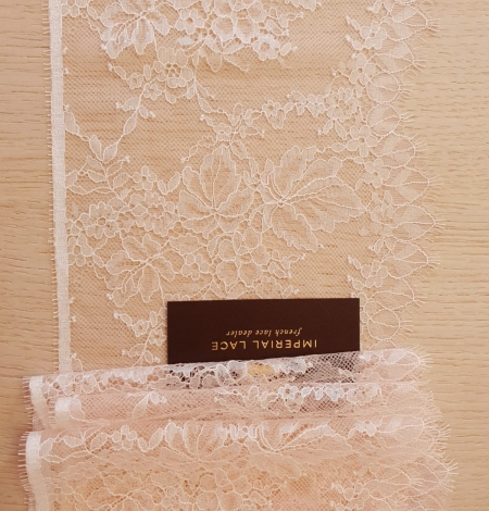 Light pink white romantic chantilly lace trimming. Photo 6