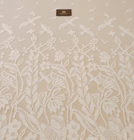 Ivory 100% polyester floral and bird pattern chantilly lace fabric. Photo 10