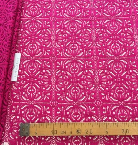 Fuchsia pink lace. Photo 5