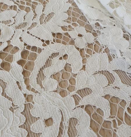 Ivory guipure lace fabric. Photo 2