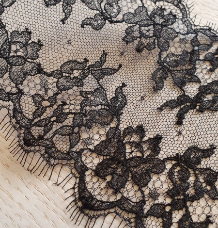 Black natural chantilly lace trimming by Jean Bracq. Photo 2