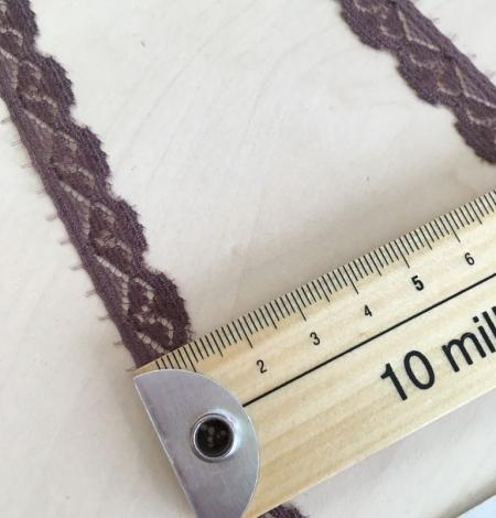 Smokey lilac lace trim. Photo 5