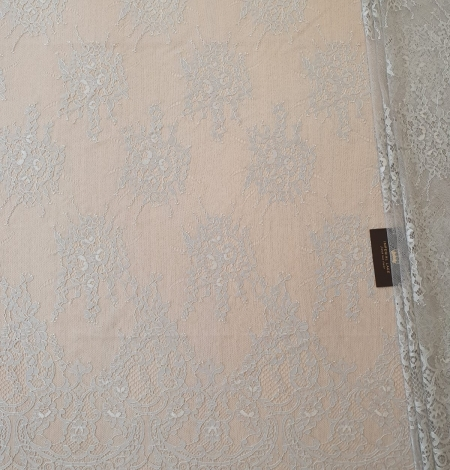 Grey floral pattern chantilly lace fabric. Photo 3